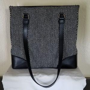 Valerie Steven's Shoulder Bag. Houndstooth.
